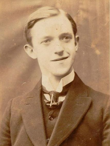 STAN LAUREL 1905