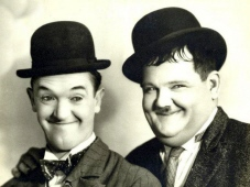 LAUREL AND HARDY 1927 CLASSIC POSE